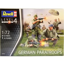 Revell German Paratroopers WWII