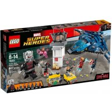 LEGO Super Heroes Confiential - Captain...