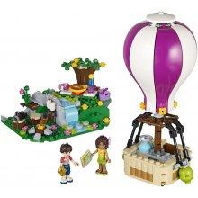 LEGO balloon in Heartlake