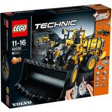 LEGO Technic excavator VOLVO L350F