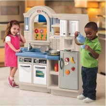 LITTLE TIKES Kitchen corner koos a grill