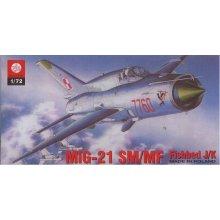 Plastyk MiG-21 SM/MF Fishbed J/K
